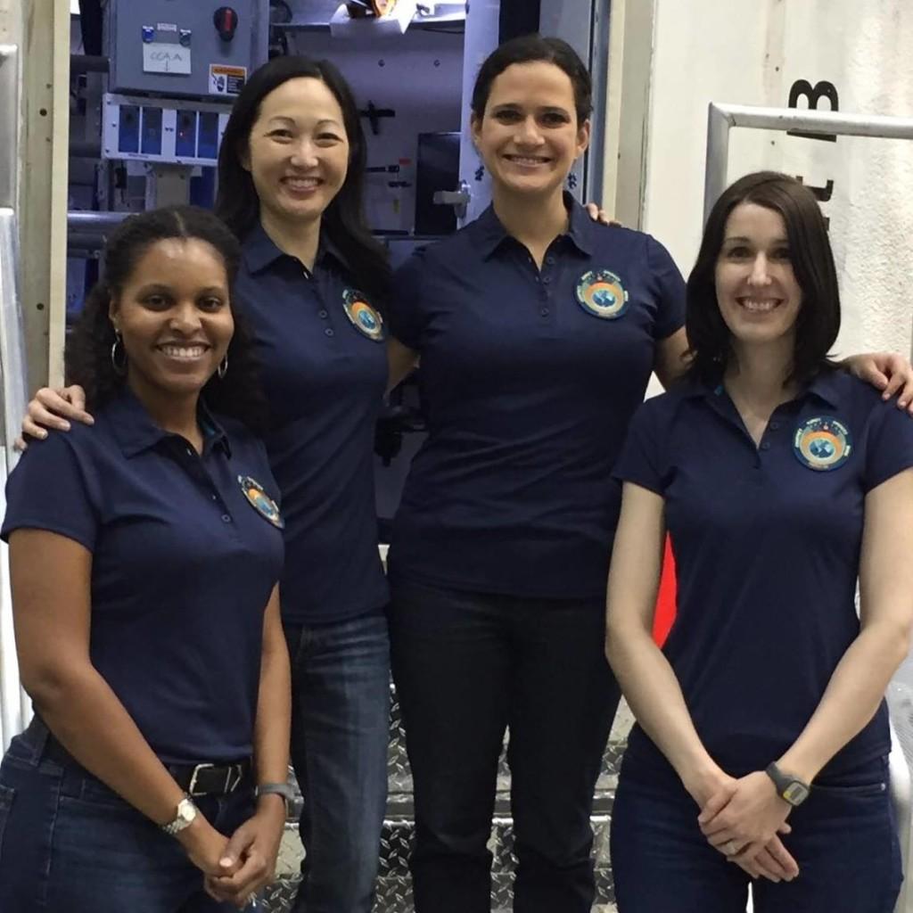 The HERA IX Crew [rocketsfromcassiopeia.com]