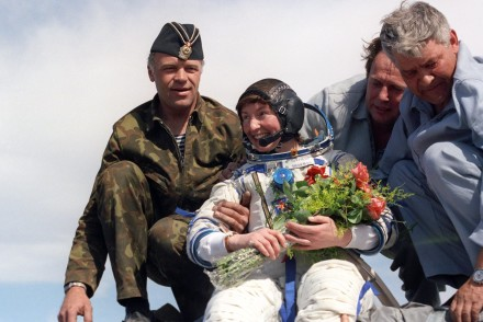 Britain's First Astronaut -Helen Sharman Landing After Her 8-Day Mission [The Guardian]