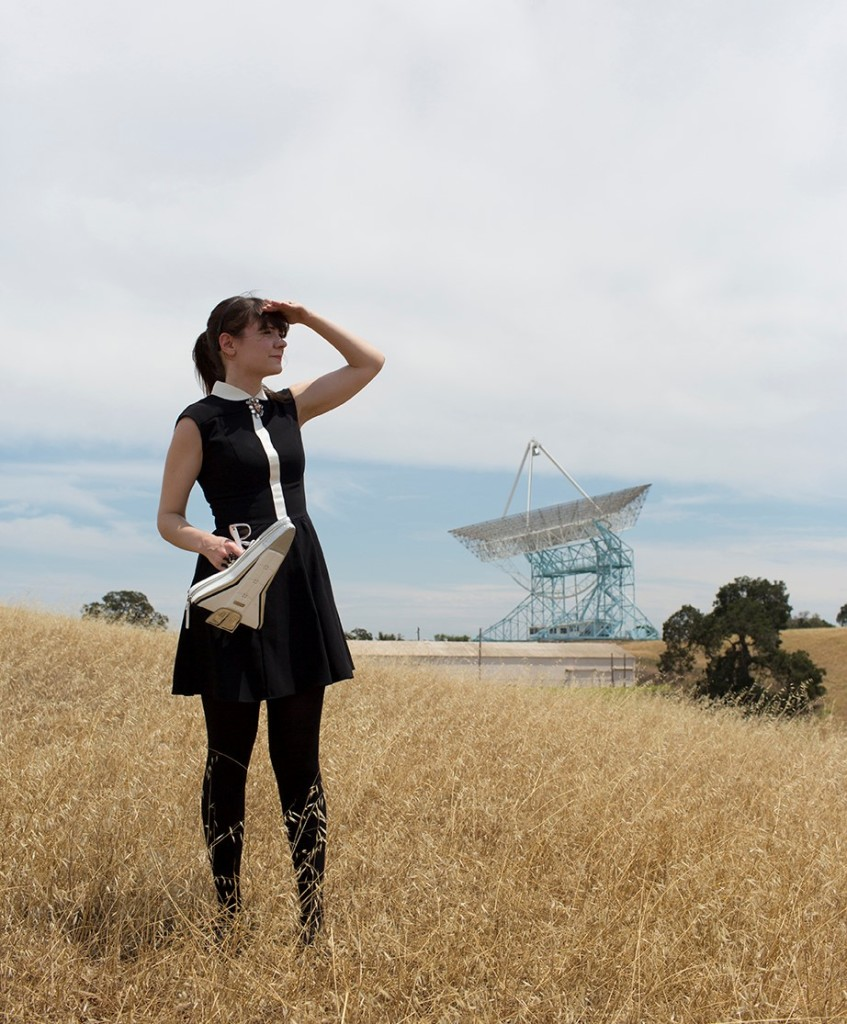 Ariel Waldman in California at the space-communicating Stanford Dish [Photo copyright: Helena Price]